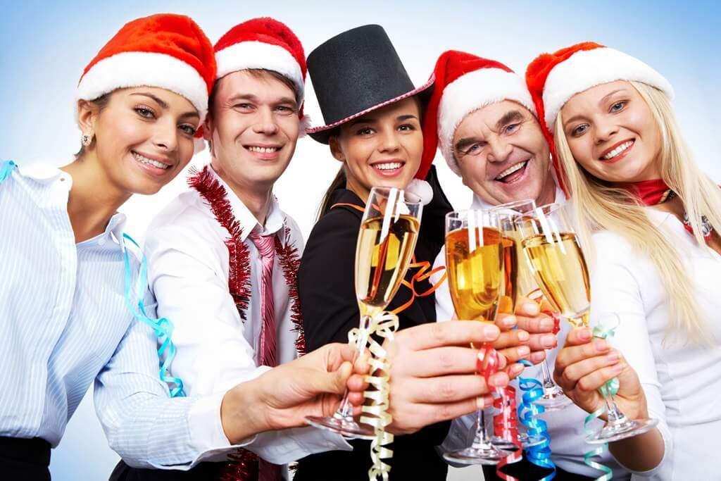 Knigge und Verhaltensregeln Weihnachtsfeier Firmen