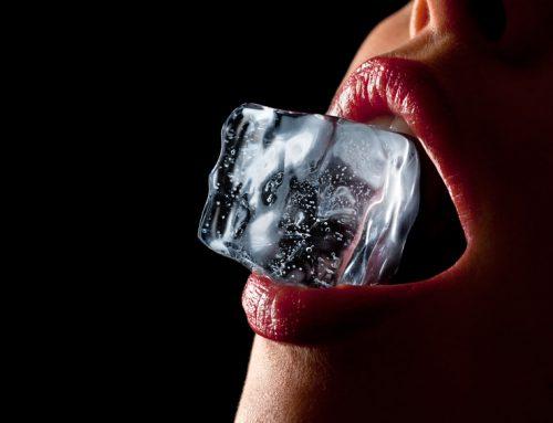 Ein kalter Kuss – Trinkspiel mit Eiswürfeln